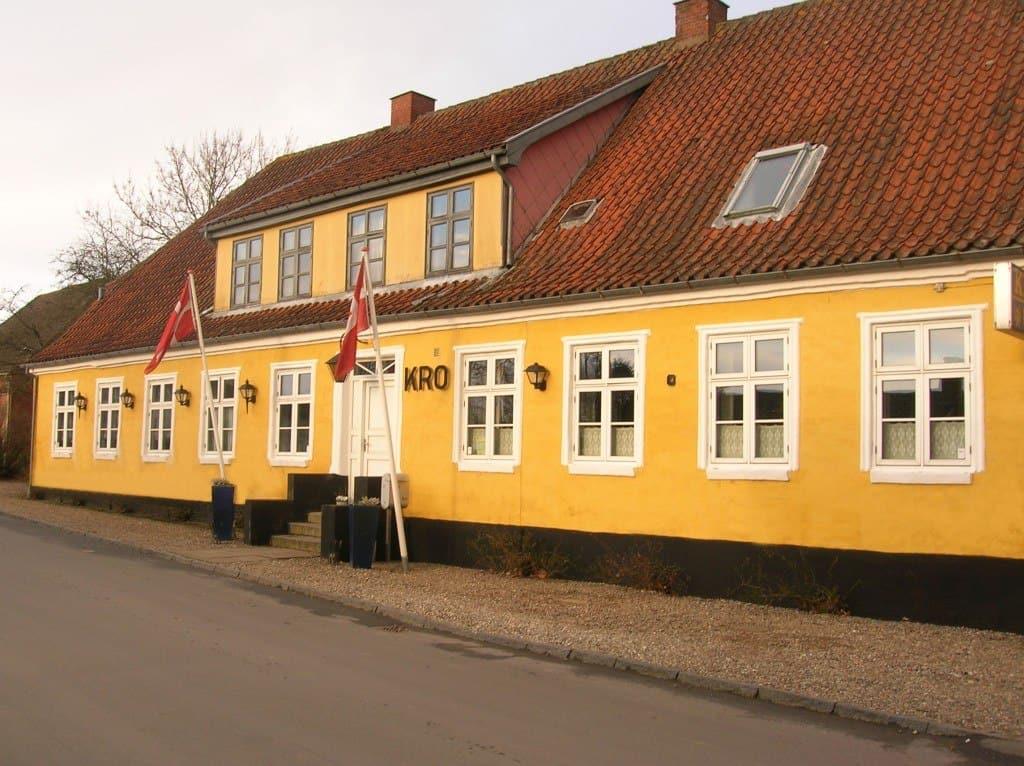 Maugstrup Kro mad ud af huset